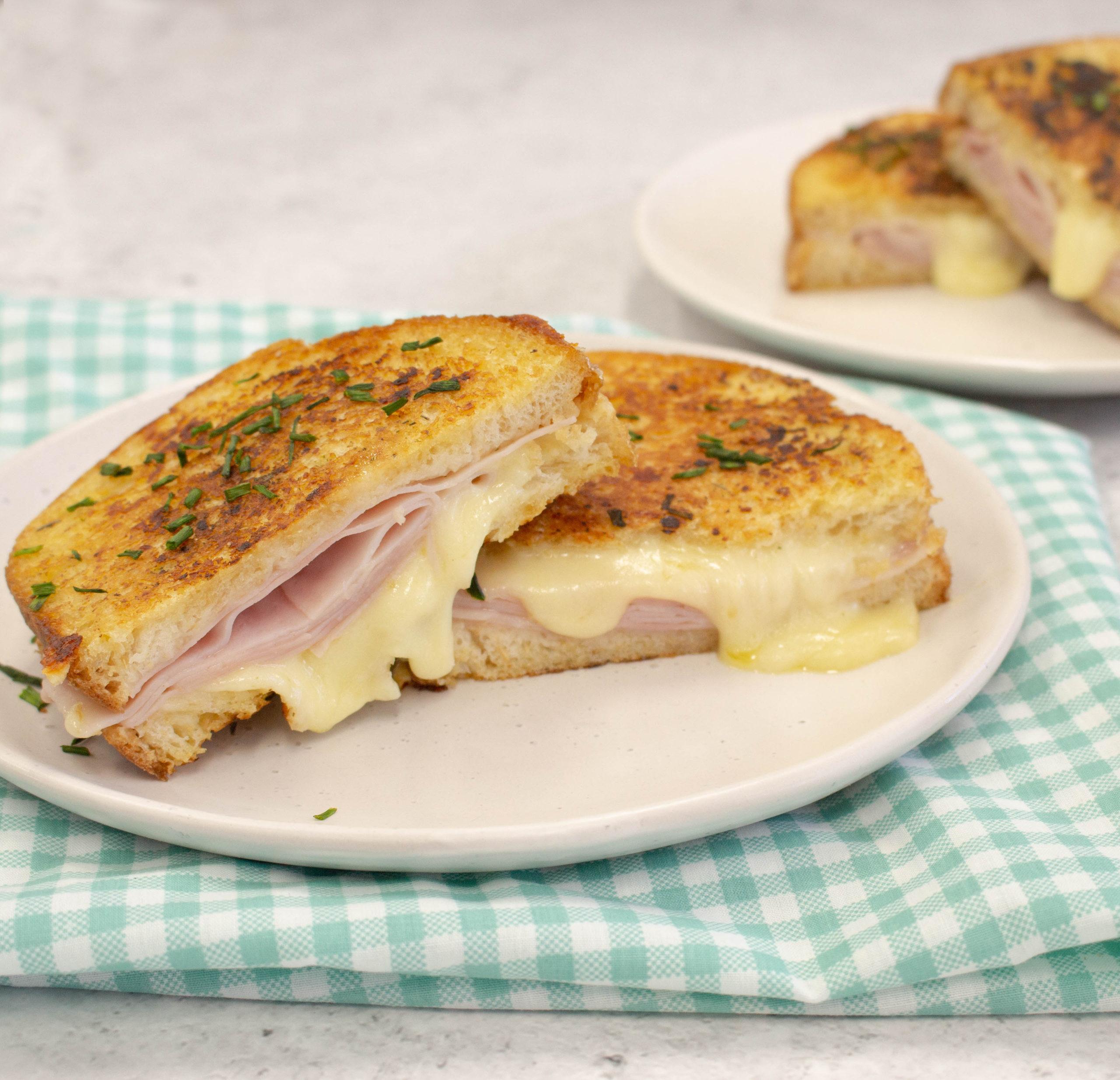 Ham & Cheese Garlic bread toastie - Leg ham